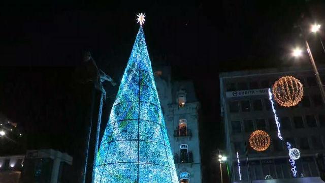 En Vigo se hace la luz para iluminar la Navidad