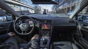 Volkswagen ya prueba autónomos en Hamburgo.