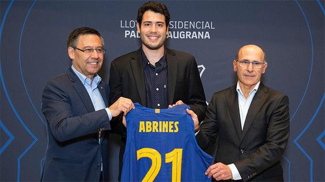 Abrines ya luce la camiseta del Barça