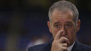 Andreu Plaza resta presión a sus jugadores