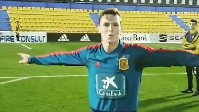 Así entrena Sergio Gómez las faltas con la Selección