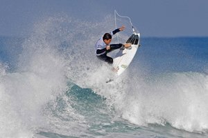 El israelí Gil Keren compite en el Seat Pro Netanya WSL que se celebra en Netanya (Israel)