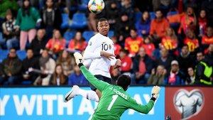 Kylian Mbappé ya ha marcado 100 goles oficiales con solo 20 años