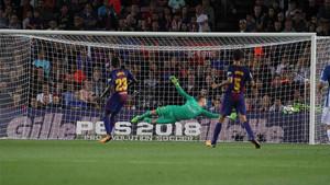 Piatti estuvo cerca de marcar ante el Barça, pero su disparo se estrelló en el poste