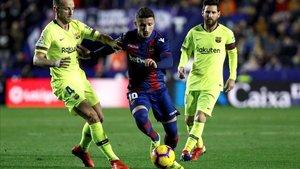 Rakitic, junto a Messi en una acción del encuentro