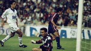 Ya remató Amor la asistencia de Stoichkov. Ya quedó Buyo vencido y en el piso... Ya salió Guillermo a festejar a pulmón abierto un gol de oro que permitió al Barça luchar por la Liga 1993-94, que acabaría ganando