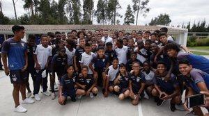 Ronaldo Nazario visitó Ecuador y visitó las instalaciones del Independiente del Valle