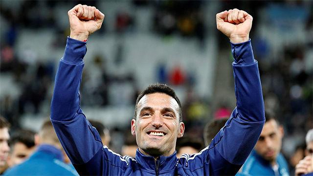 Scaloni seguirá al frente de la selección argentina