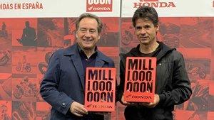 Sito Pons y Àlex Crivillé, en el Salón de la Moto de Barcelona