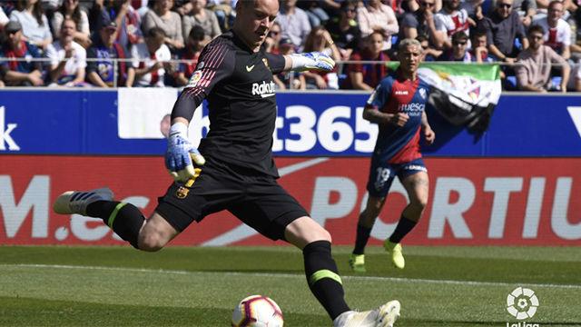 Ter Stegen nunca descansa: Providencial robo que evitó el gol de Enric Gallego