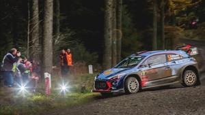 Thierry Neuville, en acción durante el último Rally de Gales