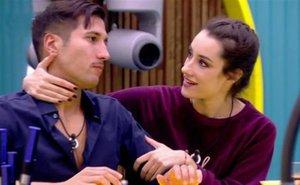 El tiempo de descuento: ya hay beso entre Adara y Gianmarco
