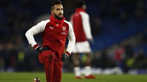 Walcott podría pasar sus últimas horas como jugador del Arsenal