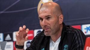Zidane, en la sala de prensa de Valdebebas