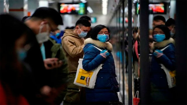 Continúan contagios importados en China, que registra un muerto por el coronavirus