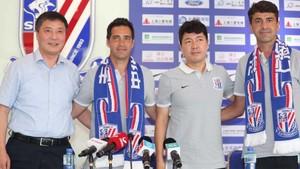 David Pirri y Juanje, durante su presentación en el Shangai Senshua