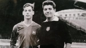 Joan Antoni Fuster (izquierda) junto al meta Sancho en una imagen tomada en Les Corts durante la etapa azulgrana de Fusteret