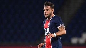 Juan Bernat cumple el primer mes de recuperación tras la grave lesión de rodilla que sufrió ante el Metz