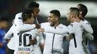 Jugadores del Corinthians celebran un gol ante la Universidad de Chile