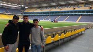 Los tres juveniles visitaron el estadio del Fenerbahçe