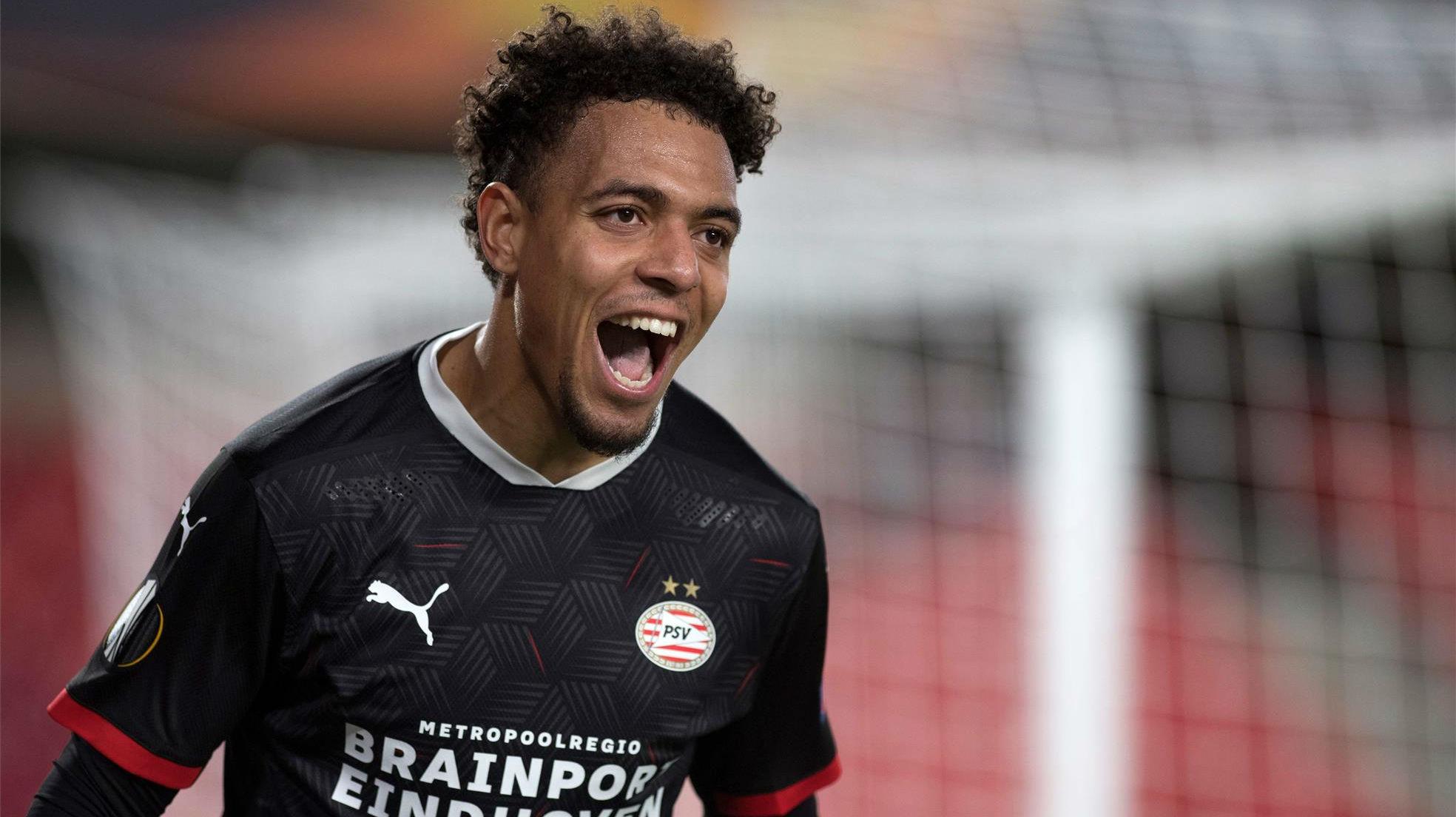 Malen marcó el único gol del PSV en la derrota del Granada