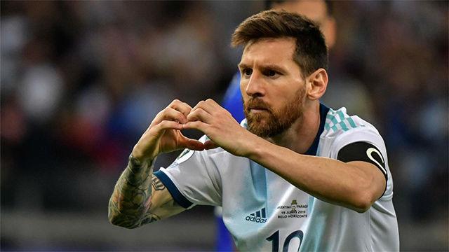 Messi salvó un punto para una discreta Argentina