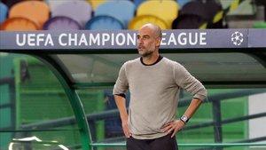 Pep Guardiola deberá esperar para el fichaje de un próximo futbolista