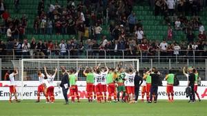 La plantilla del Benevento celebrando la victoria en San Siro