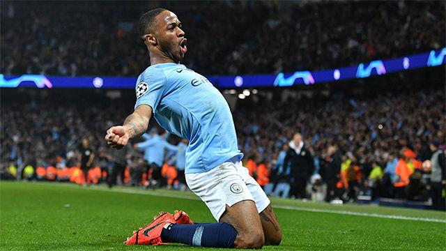 Sterling dio alas al Manchester City con un doblete cuando más lo necesitaba su equipo
