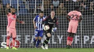Ter Stegen volvió a ser importante para el Barça ante el Alavés (0-2)