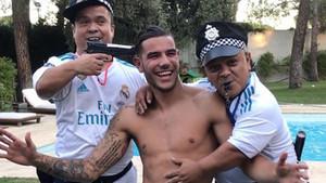 Theo Hernández, en su polémica fiesta de cumpleaños