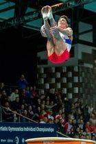 Artur Dalaloyan de Rusia compiten en el salto de potro durante la final del Campeonato Europeo de Gimnasia Artística en Szczecin, Polonia.