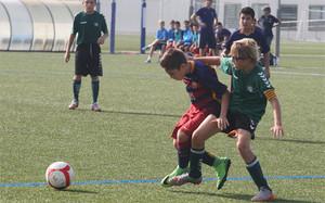 Cada fin de semana hay miles de partidos de fútbol formativo en Catalunya. De grandes clubs profesionales, pero también de entidades de barrios y aficionados
