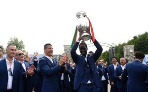 Éder levanta el título de la Eurocopa 2016
