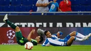 El Espanyol tuvo que emplearse a fondo para superar al Eibar