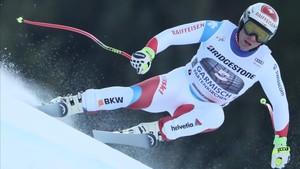 Espectacular imagen de Beat Feuz descendiendo en Garmisch-Partenkirchen