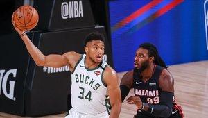 Giannis Antekounmpo fue el MVP del partido entre los Bucks y los Heat de Miami