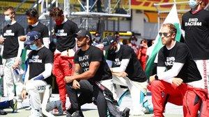 Hamilton, bandera del movimiento contra el racismo en la F1