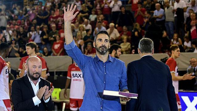 Los jugadores de la Liga Endesa se rinden a Juan Carlos Navarro