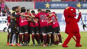 El Mallorca haciendo piña en un partido