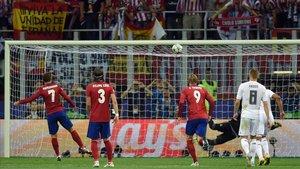 El momento del penalti que erró Griezmann