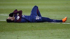 Neymar volvió a lesionarse el metatarsiano del pie derecho