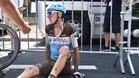 Romain Bardet tras un pinchazo en la etapa de Roubaix