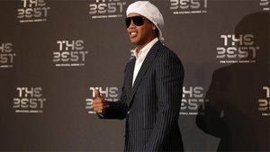 Ronaldinho, uno más de la plantilla de Uber