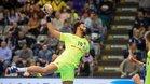 Timothey Nguessan en una jugada de ataque del Barça Lassa