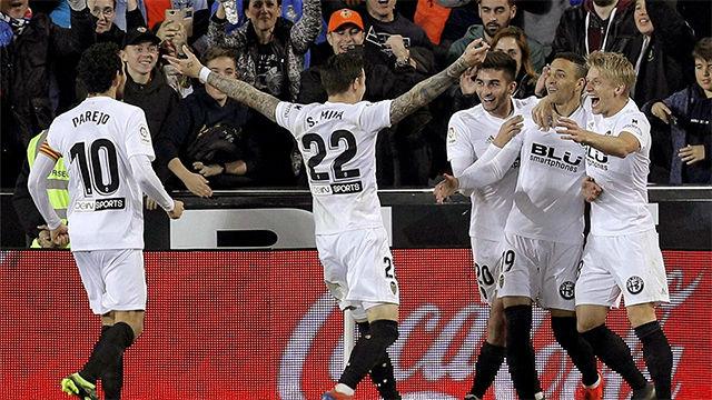 El Valencia gana al Athletic y se acerca a Europa