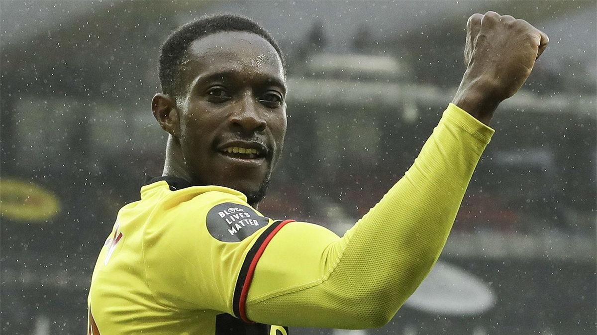 Watford vence a Norwich y le amarga un Buendía