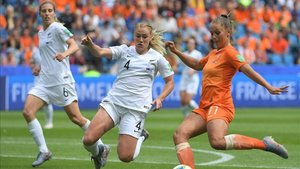 xortunonew zealand s defender catherine bott c vies wit190611170148