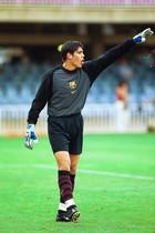 16.Víctor Valdés 2001-02