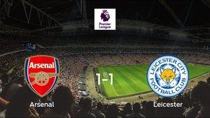 El Arsenal y el Leicester City empatan a uno en el Emirates Stadium